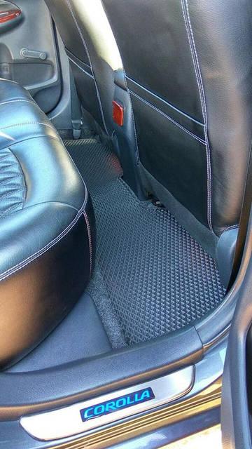 Наши коврики EVA в салоне Toyota Corolla '13-18  8