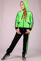 Салатовый спортивный костюм для девочки. Трикотаж.
