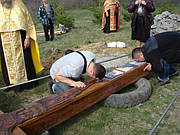 Установка Покаянного Креста убиенным младенцам во чреве в Иосафатовой долине (близ с. Голинченцы Винницкой обл.) в 2013 г.