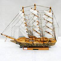 Большой корабль сувенир из дерева