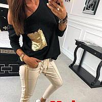 Женский костюм штаны с лампасом и кофточка свободного кроя с карманом из пайетки