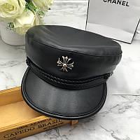 Женский картуз, кепи, фуражка CAP с брошью из экокожи черный, фото 1