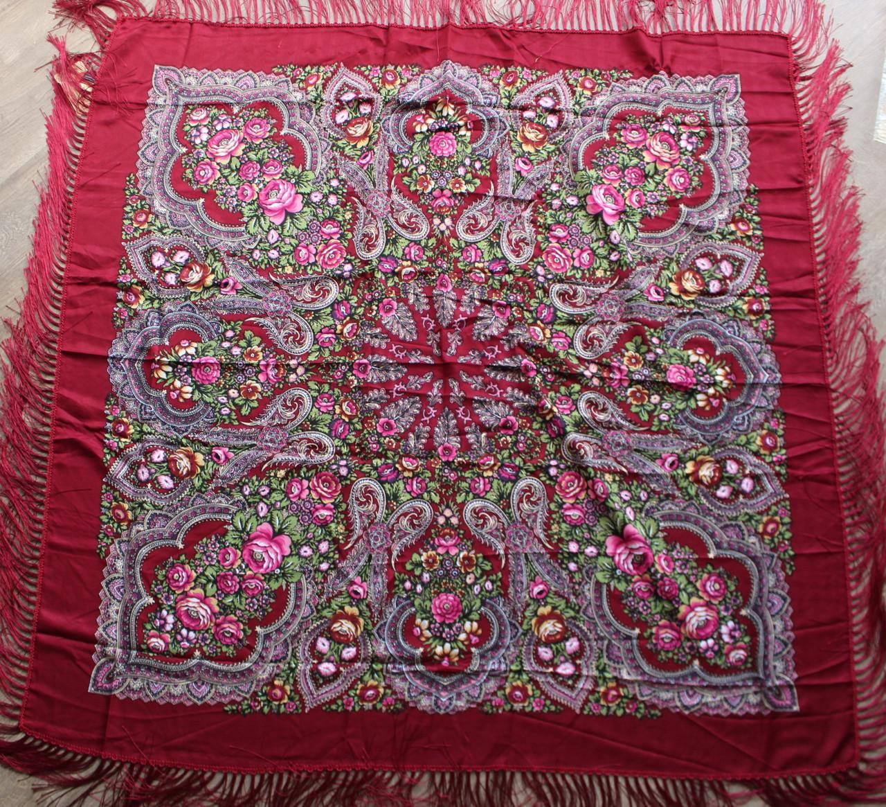 Платок бордовий в народному стилі (120х120)