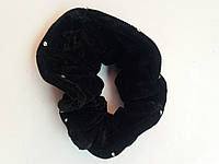 Велюровая резинка с камушками