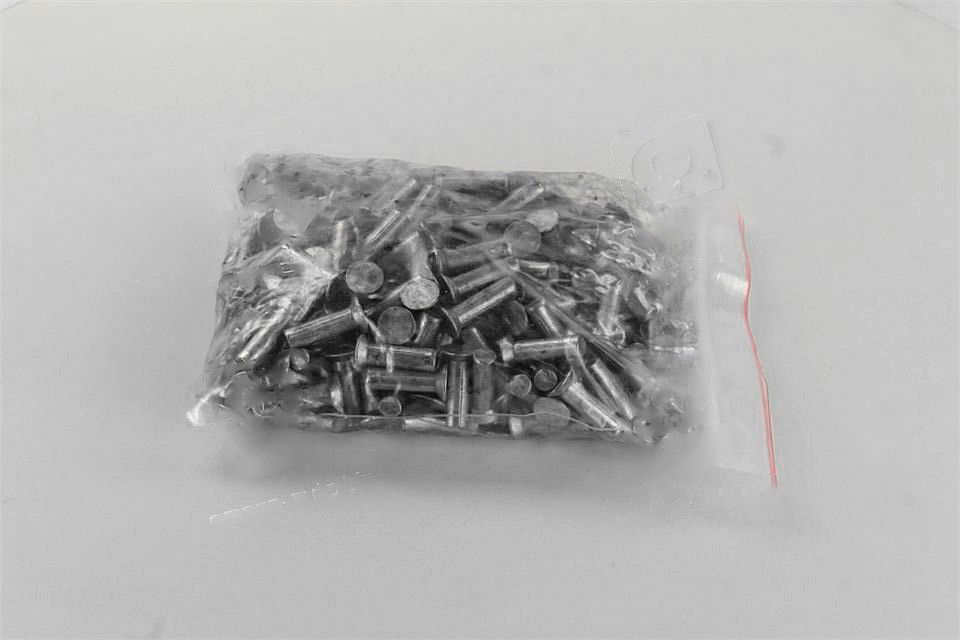 Заклепка 8х28 накладки колодки тормоза ЗИЛ, КРАЗ (1кг - 230шт). 853658-01