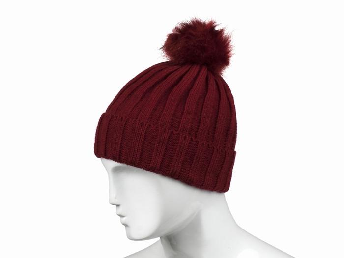 Стильна чоловіча шапка з помпоном