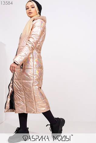 Перламутровое длинное приталенное пальто-кокон с отложным воротником на молнии и прорезными карманами на змейке 13584