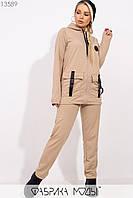 Спортивный костюм: олимпийка прямого кроя с накладными карманами, декорированые массивными застежками, брюки зауженные на резинке без манжет 13589