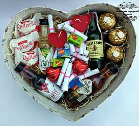 Подарунковий набір Sweet Box №32 коханому, коханій, чоловіку, дружині на річницю весілля. Подарунок на весілля