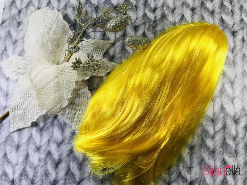Желтый прямой парик-каре на новогодние утренники и вечеринки