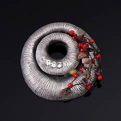 Вінтажна брошка - Поле чудес (Сірий з червоним)