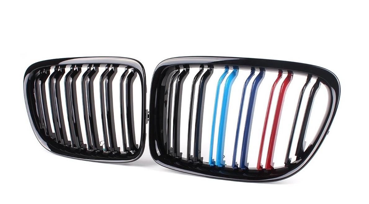 Решетка радиатора ноздри BMW X1 E84 стиль M (черный глянц + М колор)