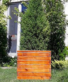 Декоративный вазон из дерева для сада