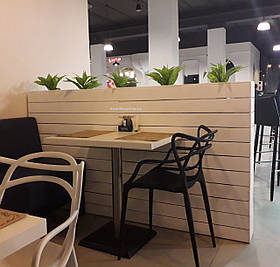 Декоративные вазоны для зонирования кафе