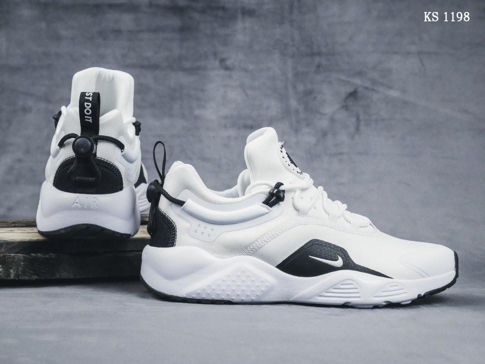 Мужские кроссовки Nike Huarache City (черно/белые)
