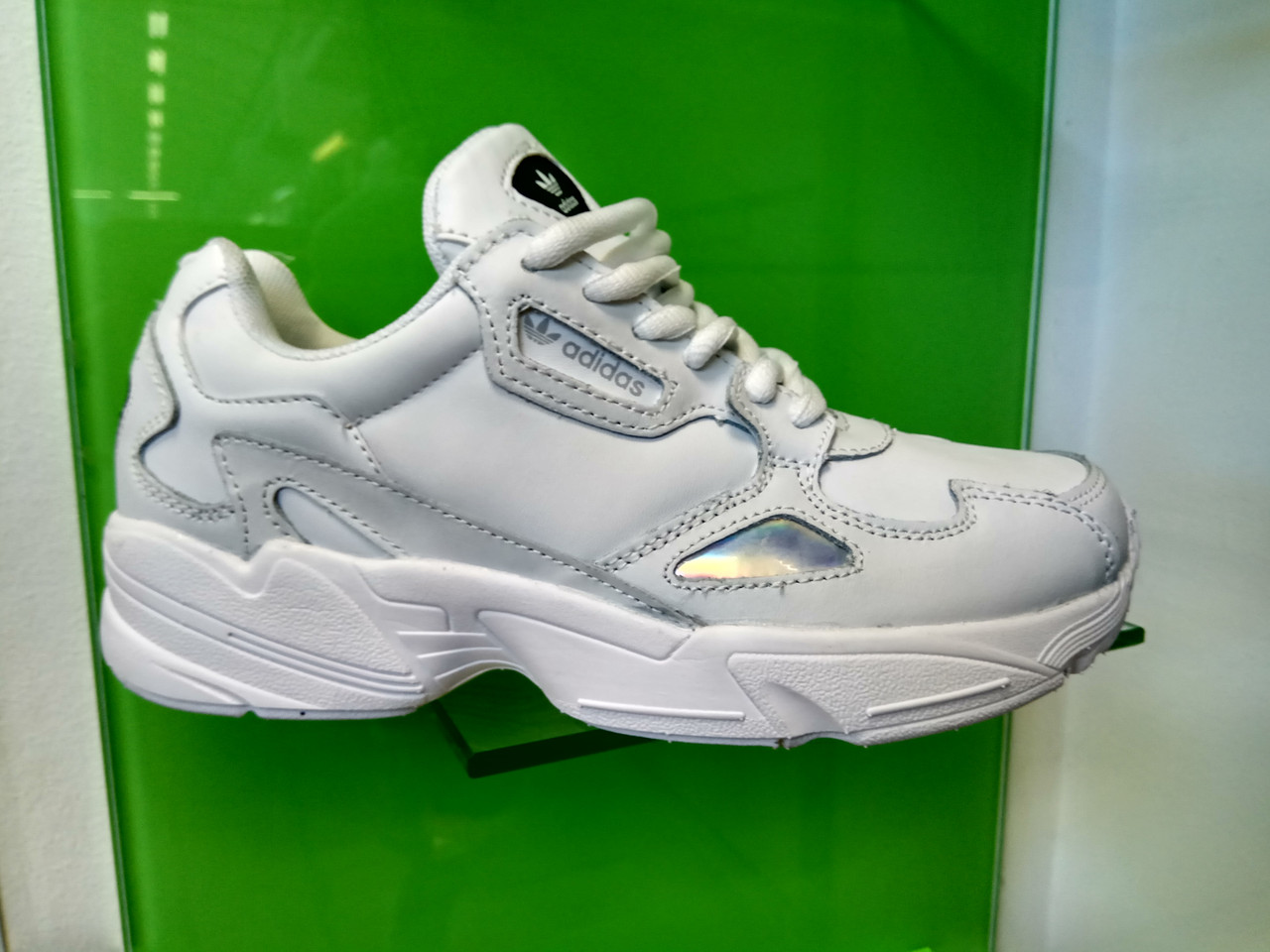 Жіночі кросівки Adidas falcon white