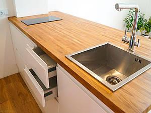 Квадратная кухонная столешница из натурального дерева в Одессе