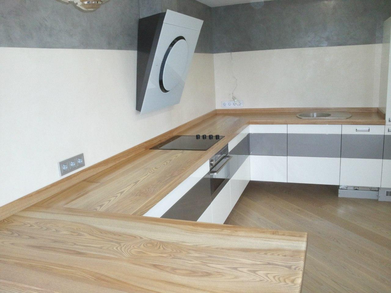 Деревянные столешницы на кухню из ясеня прямоугольная
