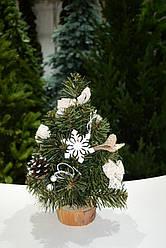 Елка настольная из хвои декорированная