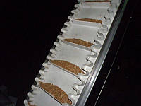 Лента ПВХ с поперечными планками и гофробортом
