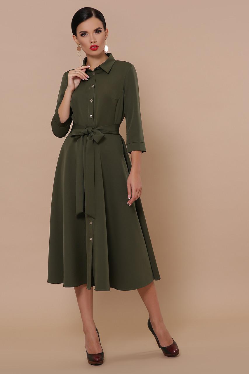 Демисезонное платье на каждый день до колен с поясом цвет хаки