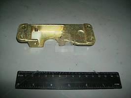 Фиксатор замка двери левый нового образца (ДААЗ). 53200-610503510