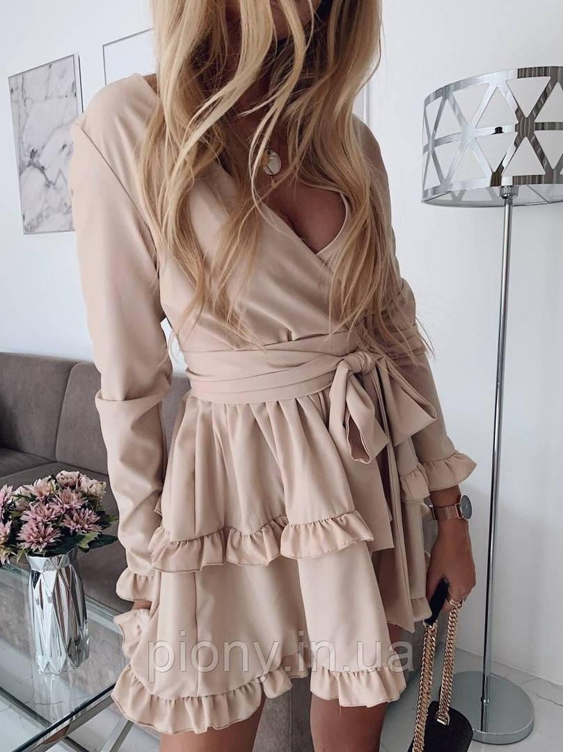 Женское Платье с оборками и широким поясом