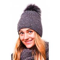 Вязаная шапочка  на полном флисе с трендовым мерцанием и помпоном под натуральный мех. Полушерсть