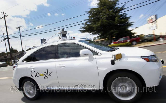 Беспилотный автомобиль Google впервые попал в аварию с пострадавшими.