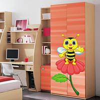 Наклейка виниловая Bee on a Flower Пчела на цветке