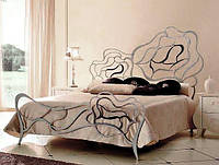Кованая двуспальная кровать Roses.