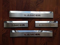 Накладки на пороги Mitsubishi Lancer X