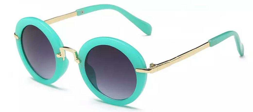 Солнцезащитные круглые  очки для девочки