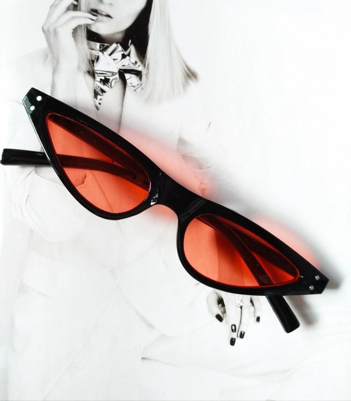 Стильные очки солнцезащитные  маленький треугольник Черный с красным