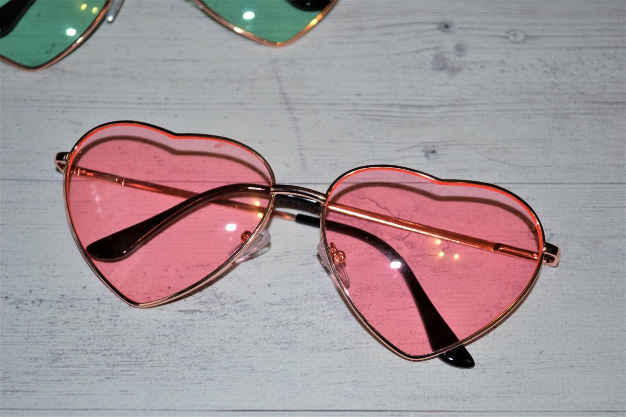 Очки солнцезащитные в форме сердца однотонные Розовый