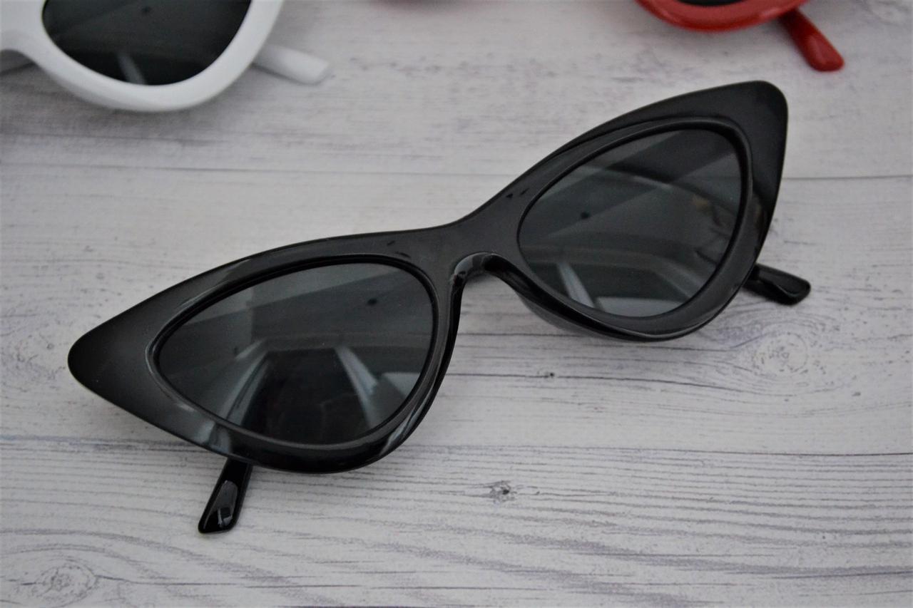 Треугольные очки солнцезащитные  кошачий глаз Чёрный
