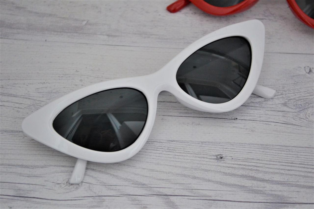 Треугольные очки солнцезащитные  кошачий глаз Белый+чёрный