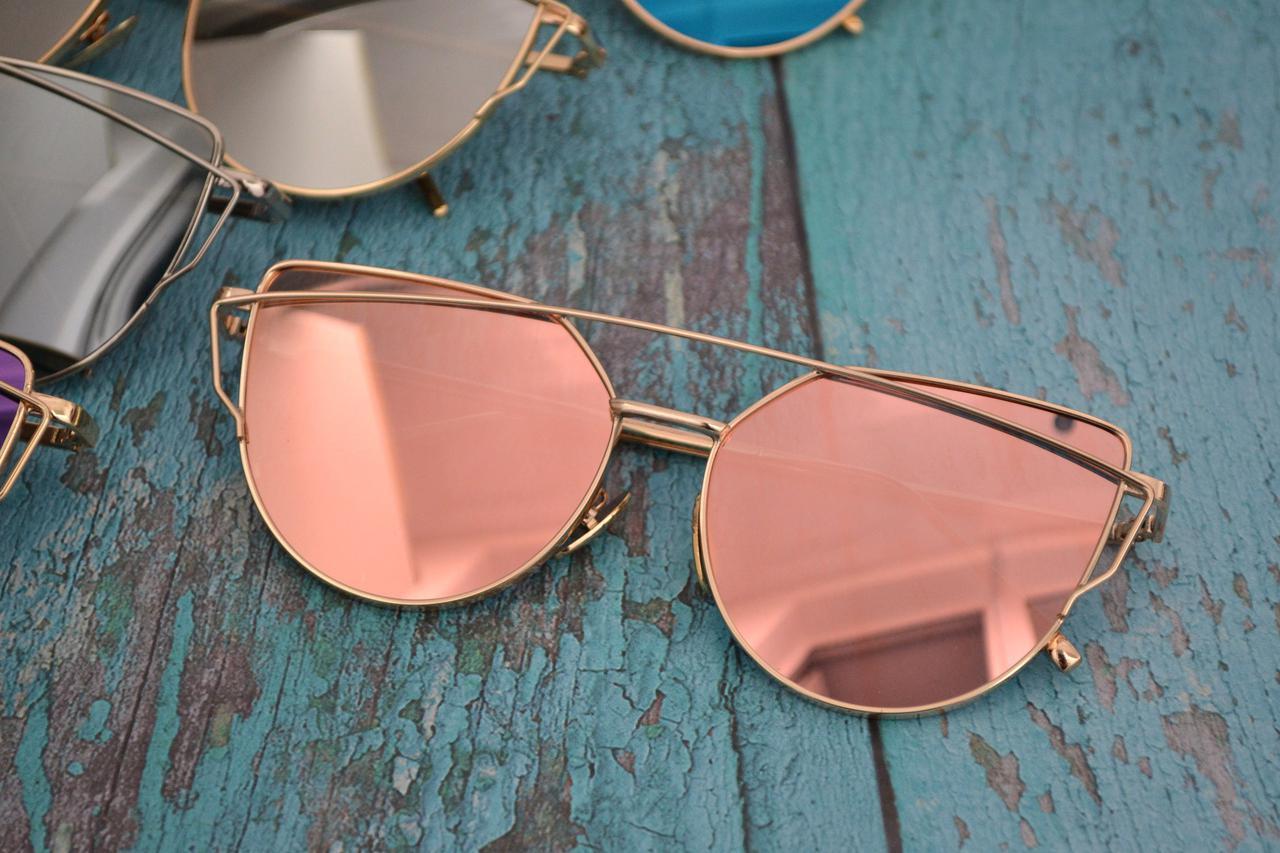 Солнцезащитные очки кошачий глаз зеркальные Диор Пудра