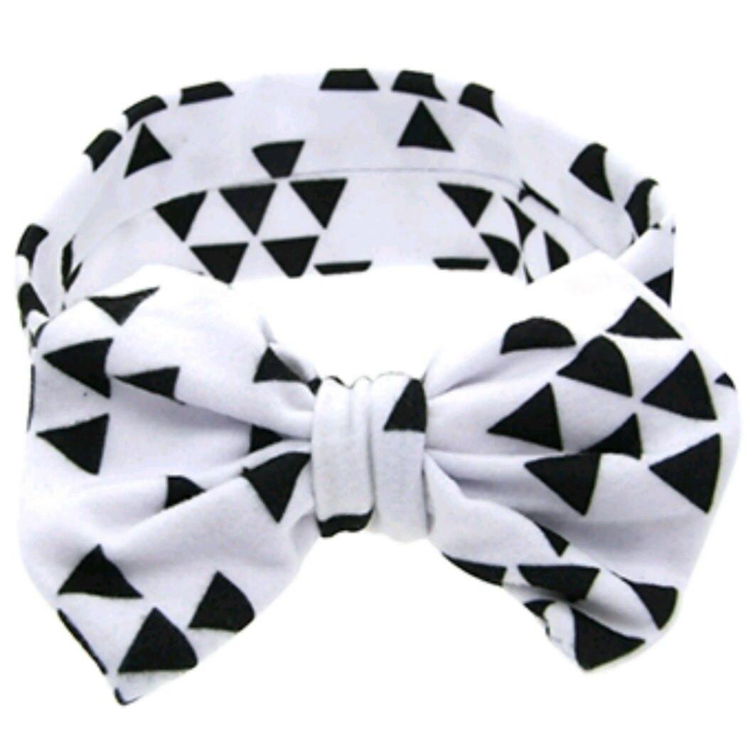 Повязка на голову для девочки бант горохи и рисунок Белая в треугольник