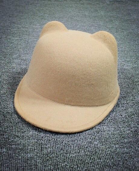 Женская  фетровая шапка с козырьком и ушками Жокейка Бежевый