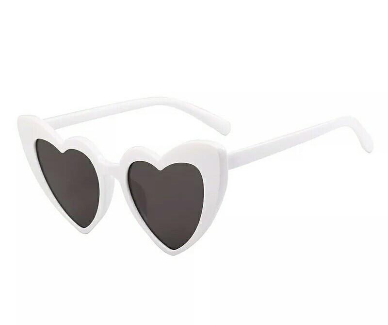 Очки солнцезащитные в форме сердца Уценка
