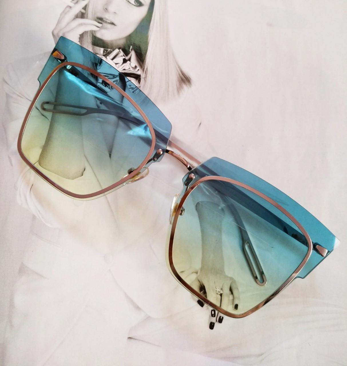 Солнцезащитные очки кошачий глаз с градиентом    Голубой