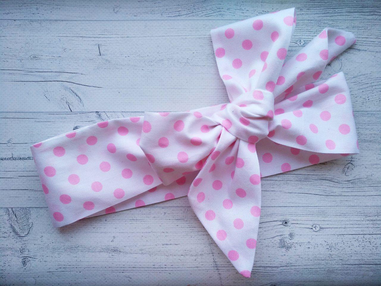 Повязка на голову для девочки солоха большой бант белая в розовый  горошек