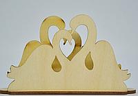 Декоративна підставка для серветок пара лебедів