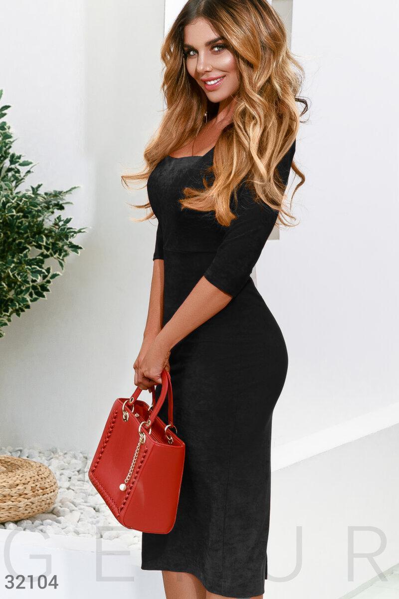 Демисезонное платье по фигуре облегающая юбка с разрезом сзади цвет черный