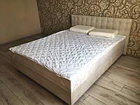 Кровать Альянс Камила 1,4 в обивке под замш цвета топл. молоко с матрасом и подъёмным механизмом с пуговицами, фото 1