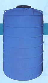 Резервуар пластиковая вертикальная  Aquarius NSV 700.Telcom Италия.