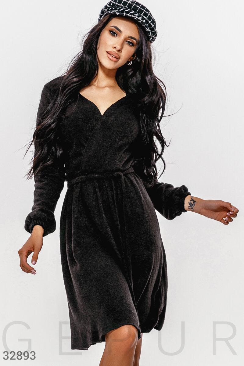 Теплое платье на каждый день объемный длинный рукав на эластичной манжете отрезная талия цвет черный