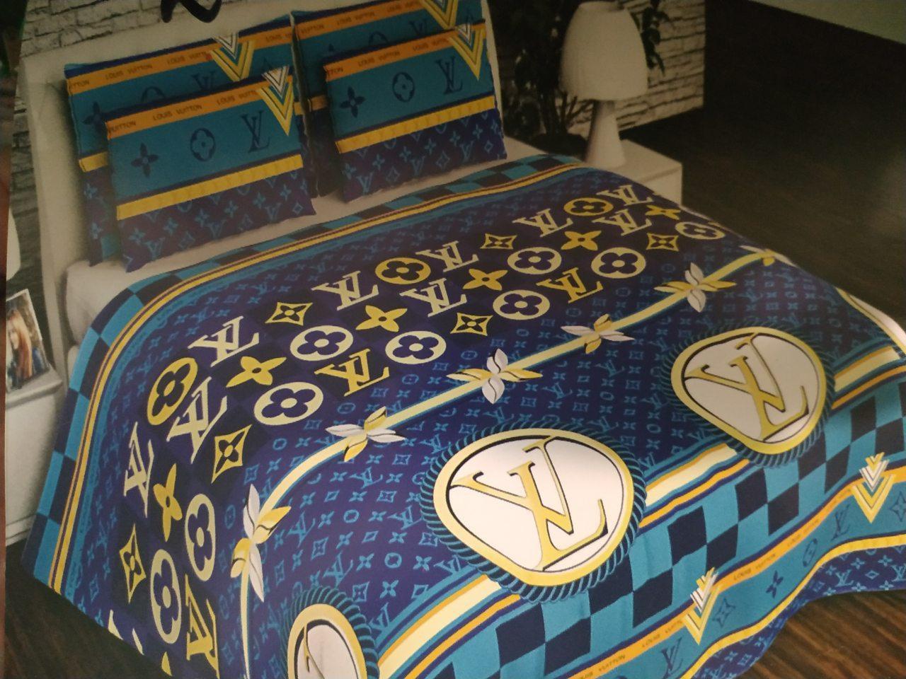 Комплект постельного белья Бренд LV, полуторное