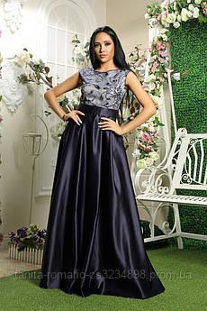 Вечірня сукня з вишивкою синього кольору